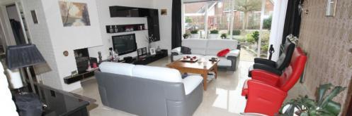 Vloertegels.nl - geentext20, Het levren en leggen van vloertegels 60x60 gepolijst met vloerverwarming als hoofdverwarming.