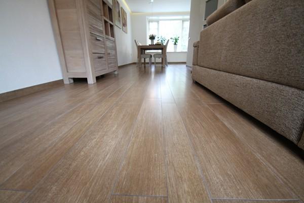 Vloertegels.nl - tegelstiel3, het leveren en leggen van parket tegels in tiel,strak en vlak gelegd, ook vloerverwarming als hoofdverwarming gelegd voord deze klant in tiel