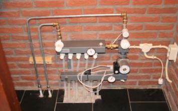 Vloertegels.nl - vloerverwarmingamsterdam1, Voor onze klant in amsterdam het leveren en leggen van vloerverwarming als hoofdverwarming incluisef vloertegels